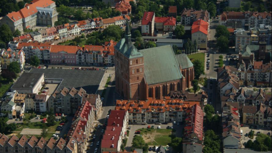 zdjęcie przedstawia kołobrzeską katedrę