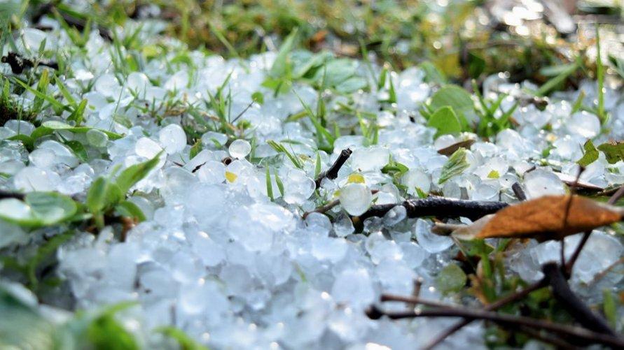 zdjęcie pogodowe - burze z gradem