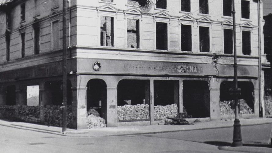 """I Gra Miejska pt. """"Szlakiem powojennego polskiego Kołobrzegu 1945 - 1965"""""""